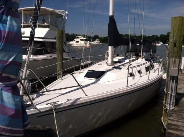 Used Catalina 36 MKI Racer and Cruiser Sailboat For Sale