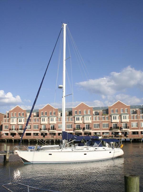 Used Jeanneau 522 Cruiser Sailboat For Sale