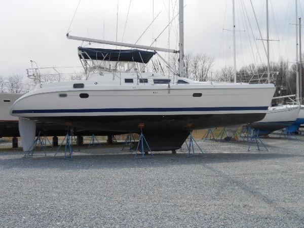 Used Hunter 456 Center Cockpit Sailboat For Sale