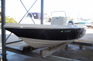 Used Sailfish 1900 BB Bay Boat Center Console Fishing Boat For Sale