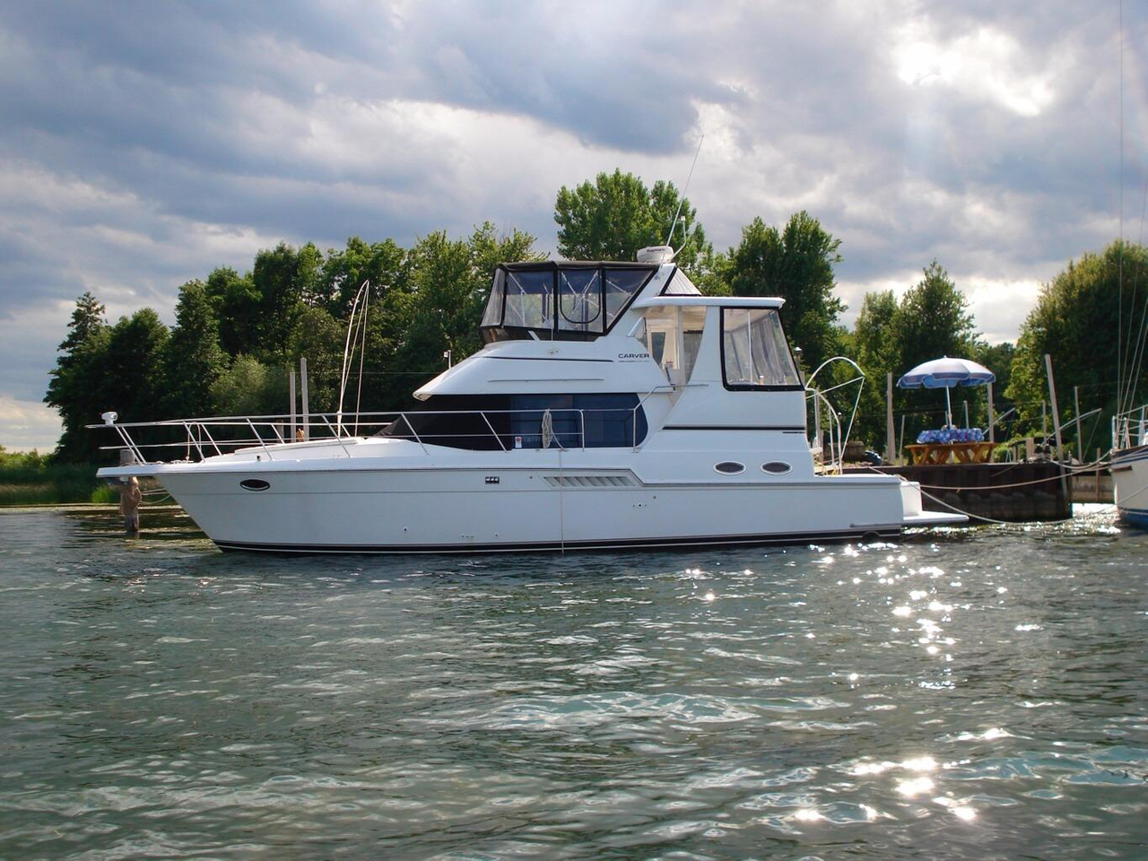Used carver yachts for sale florida for Used motor yachts for sale in florida