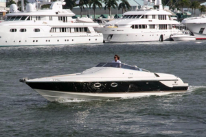 Used Hunton XRS37 High Performance Boat For Sale