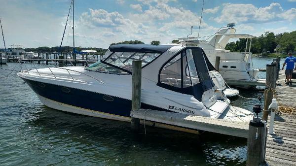 Used Larson 370 Cabrio Cruiser Boat For Sale