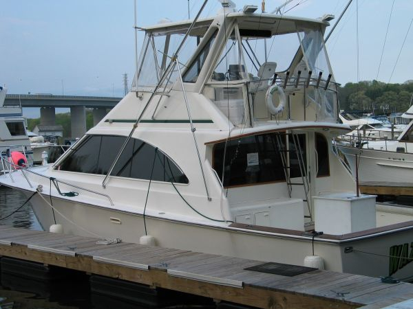 Used Ocean Yacht Super Sport 42 Express Cruiser Boat For Sale