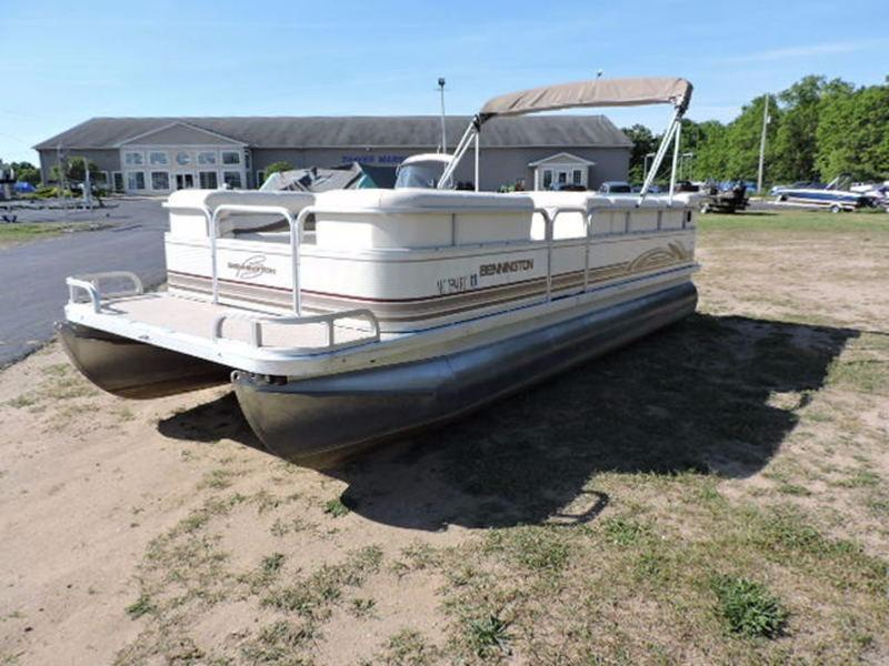 1998 used bennington 2080lx pontoon boat for sale for Used fishing boats for sale in michigan