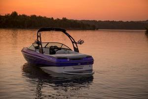 New Moomba Mondo Ski and Wakeboard Boat For Sale