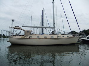 Used Island Packet IP-45 Cruiser Boat For Sale