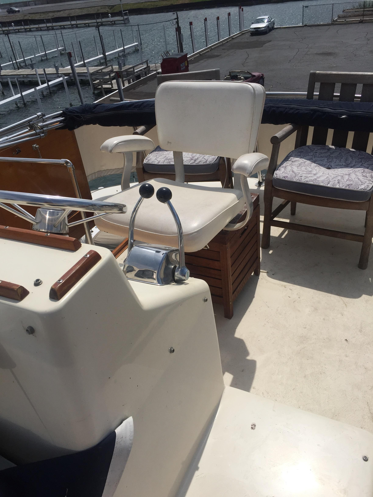 1977 used chris craft motor yacht for sale 27 500 for Chris motors auto sales