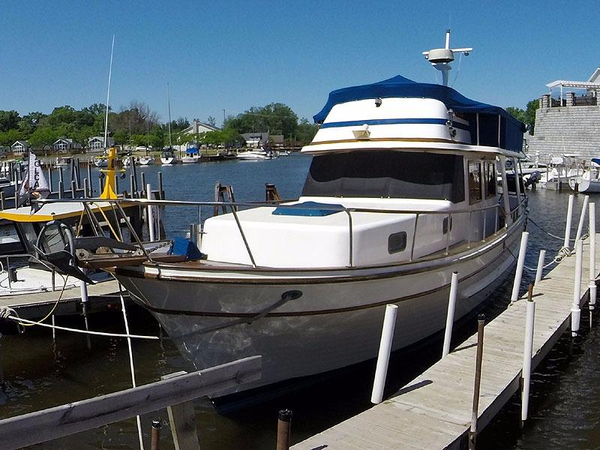 Used Oceania 38 Sedan Trawler Boat For Sale