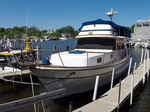 Used Oceania 38 Sedan Trawler Boat For Sale