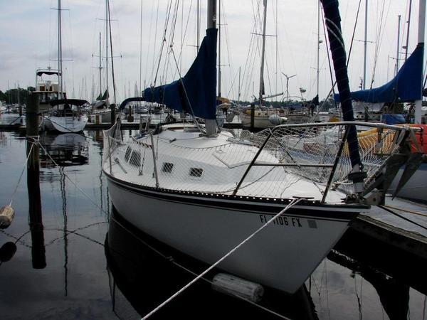 Used Newport 28 MK II Sloop Sailboat For Sale