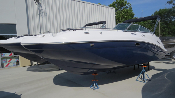 New Hurricane 2486 Deck Boat For Sale