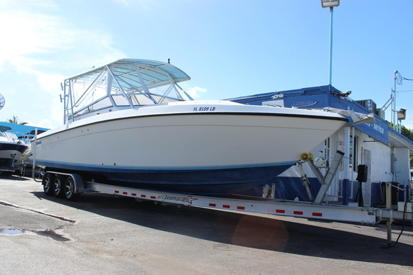 Used Contender 35 Express Cruiser Boat For Sale