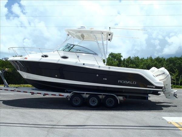 Used Robalo WALK AROUND CABIN Walkaround Fishing Boat For Sale