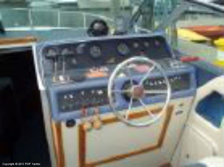 1988 Used Sea Ray 300 Weekender Express Cruiser Boat For
