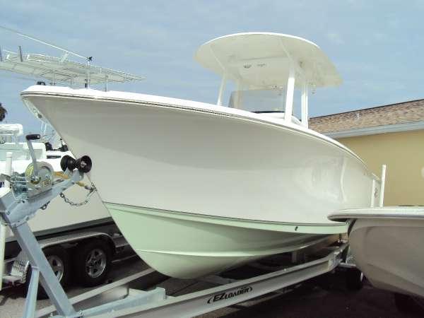 2015 New Sea Hunt Gamefish 25 Center Console Fishing Boat ...