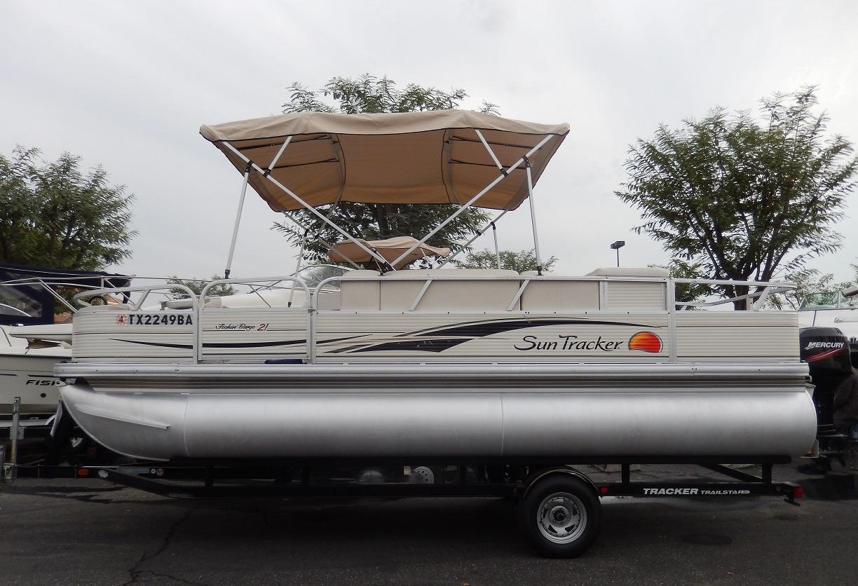 2009 used suntracker 21 fishing barge pontoon boat for for Fishing pontoon boats