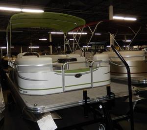 New Qwest LS 818 Splash Pad Pontoon Boat For Sale