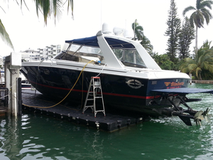 Used Magnum 40 Sport Express Cruiser Boat For Sale