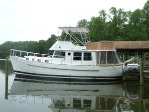 Used Willard 40 Flybridge Trawler Cruiser Boat For Sale