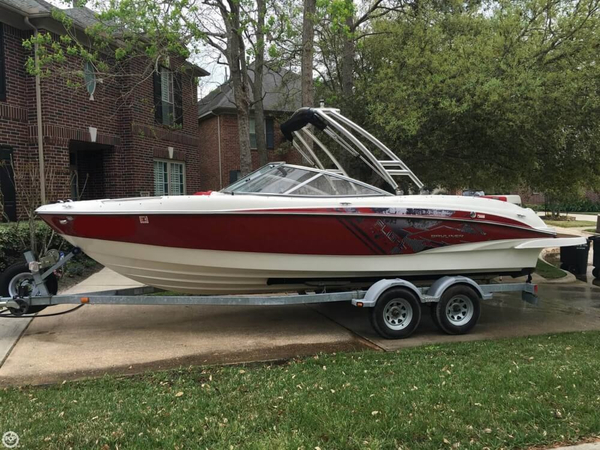 Used Bayliner 235 BR Ski and Wakeboard Boat For Sale
