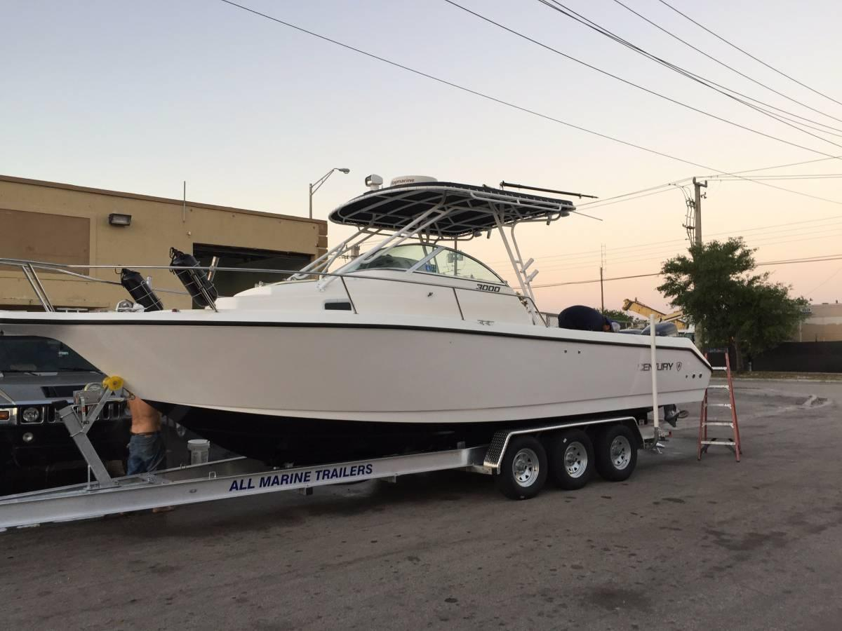 1998 Used Century 3000 Sport Cabin Saltwater Fishing Boat
