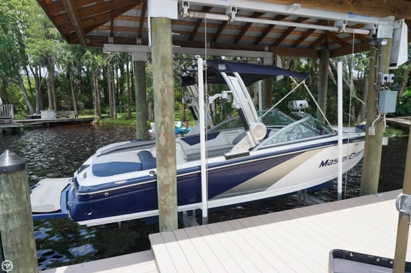 Used Mastercraft X14V Ski and Wakeboard Boat For Sale