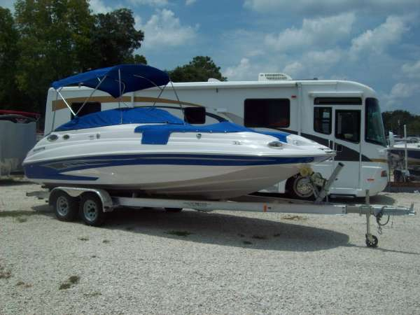 New Glastron DX 235 Deck Boat For Sale