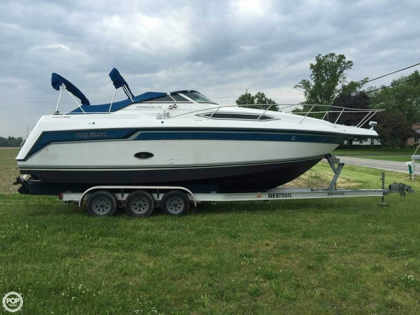 Used Regal Commodore 270 Express Cruiser Boat For Sale