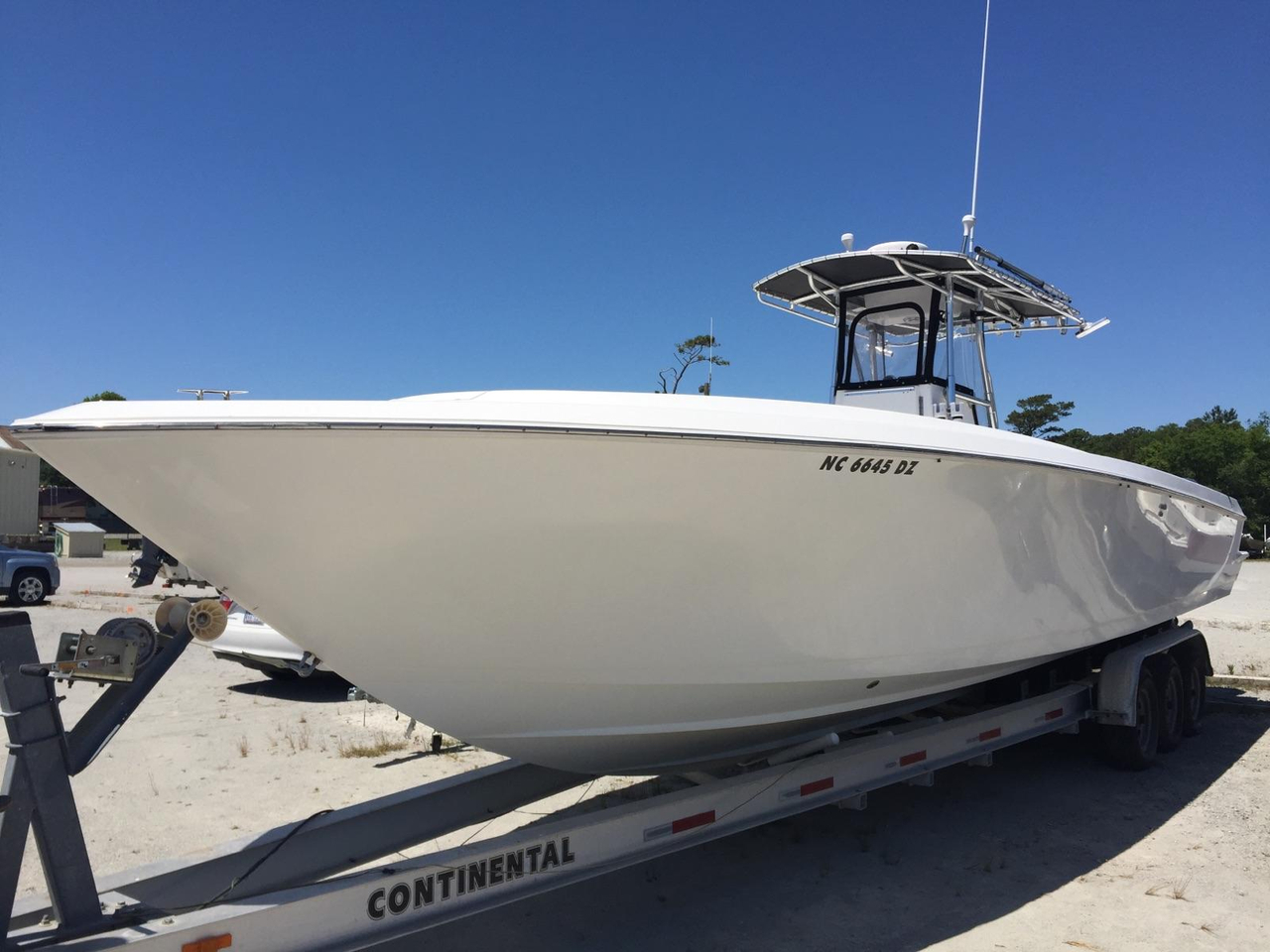 2004 used contender cc center console fishing boat for for Used center console fishing boats for sale