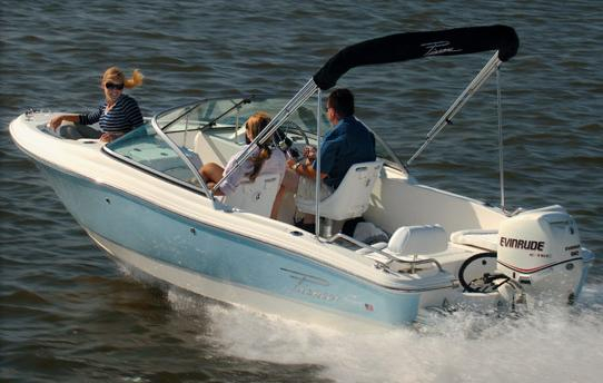 New Pioneer 175 Venture Dual Console Boat For Sale