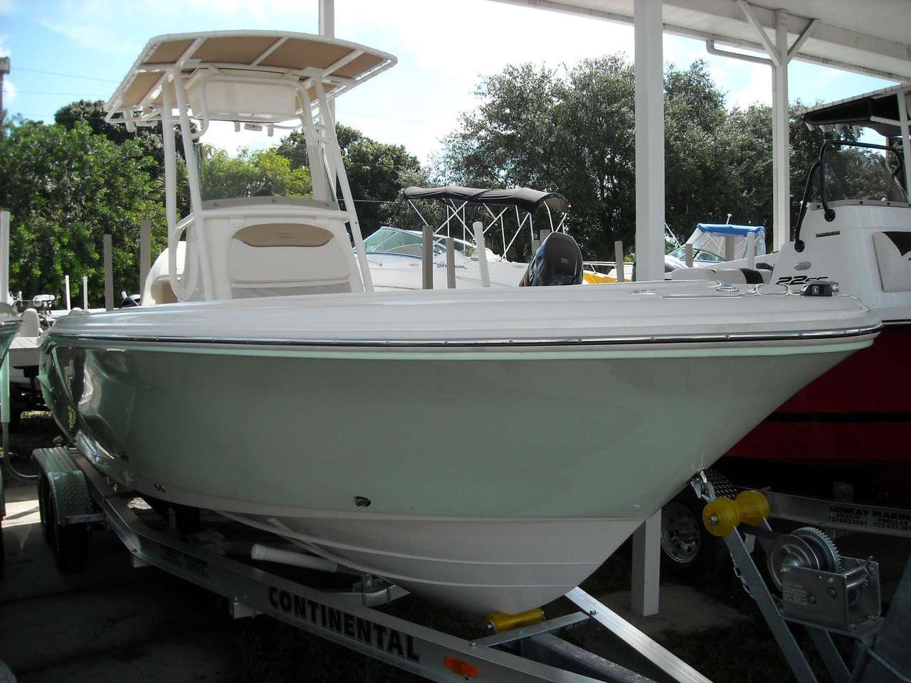 2017 new pioneer 220 bay sport center console fishing boat for Center console sport fishing boats