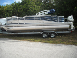 New Berkshire 231RFC STS Pontoon Boat For Sale
