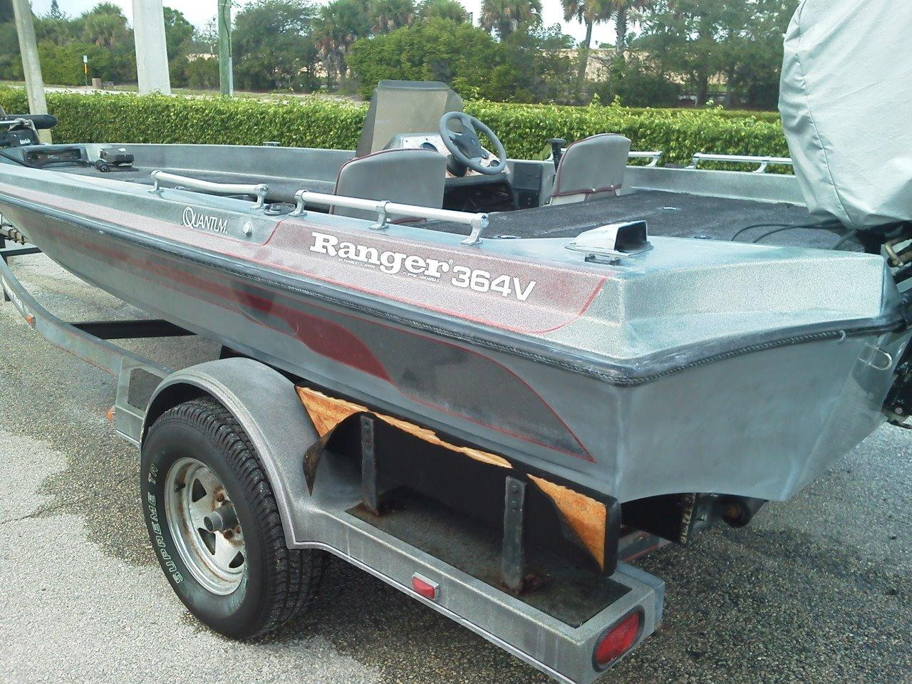 1989 used ranger 364v bass boat for sale 3 000 for Bass fishing boats for sale