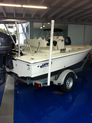 New Hewes Redfisher 16 Center Console Fishing Boat For Sale