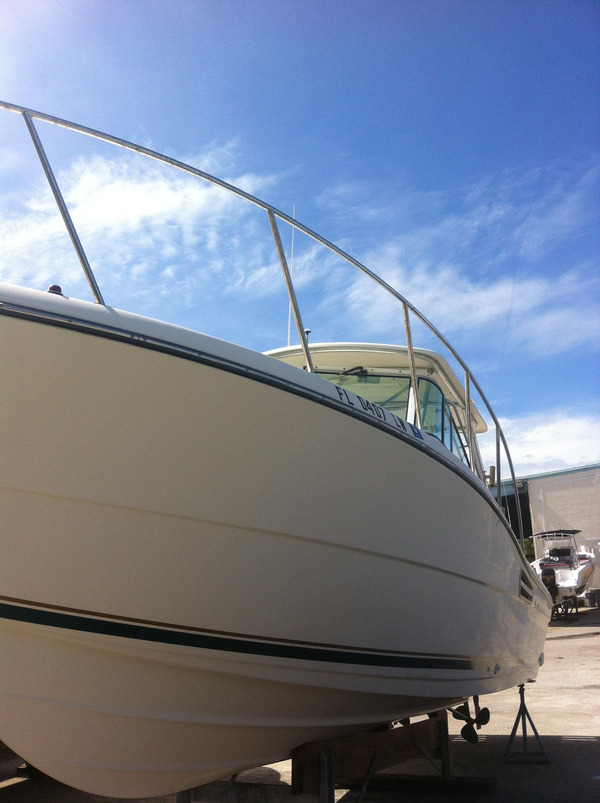Used Pursuit 3000 Express Saltwater Fishing Boat For Sale