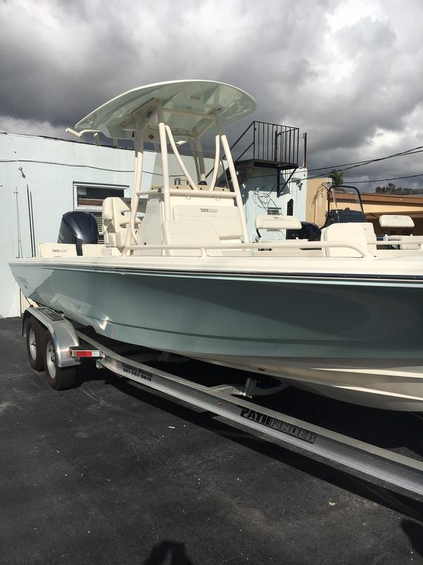 New Pathfinder 2600 TRS Center Console Fishing Boat For Sale