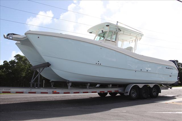 New World Cat 32 CC Center Console Fishing Boat For Sale