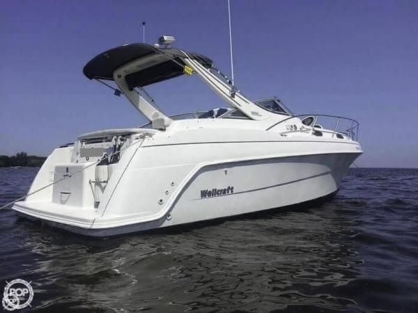 Used Wellcraft 3000 MARTINIQUE Express Cruiser Boat For Sale