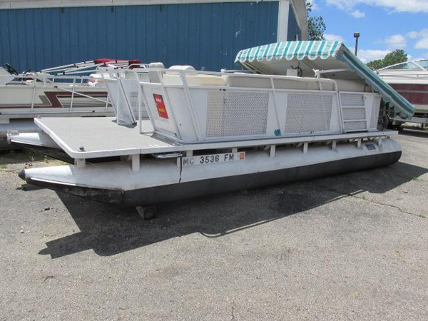 Used Sylvan Pontoon Boat For Sale