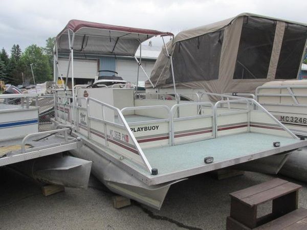 Used Playbuoy Yachtsman - 23' Pontoon Boat For Sale