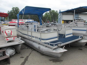 Used Manitou 20 foot pontoon boat Pontoon Boat For Sale