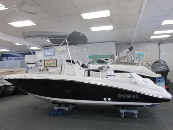 2016 new yamaha 190 fsh deluxe center console fishing boat for Yamaha fishing boats