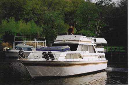 Used Marinette 37 DCFB (SRG) Cruiser Boat For Sale