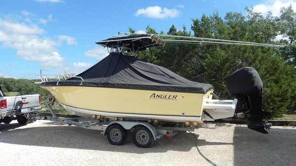 Used Angler 230B CC (GXH) Center Console Fishing Boat For Sale
