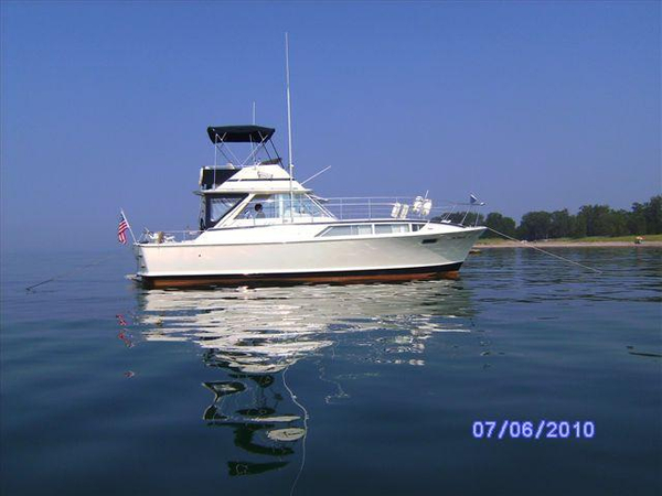 Used Chris Craft 38 Commander (SRG) Motor Yacht For Sale