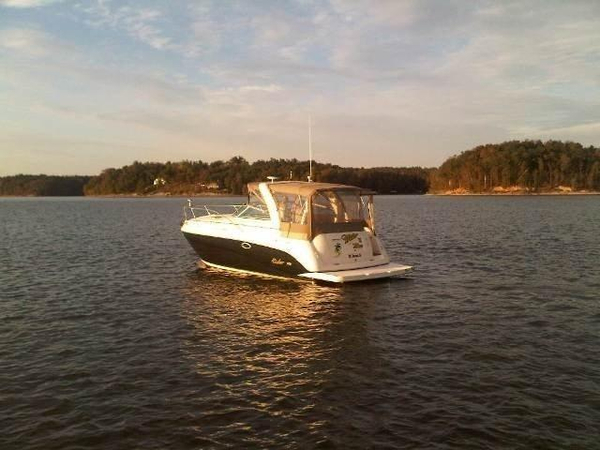 Used Rinker 320 Cruiser Boat For Sale
