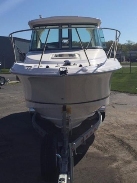2016 new wellcraft 252 costal walkaround fishing boat for for Fishing boats for sale in michigan