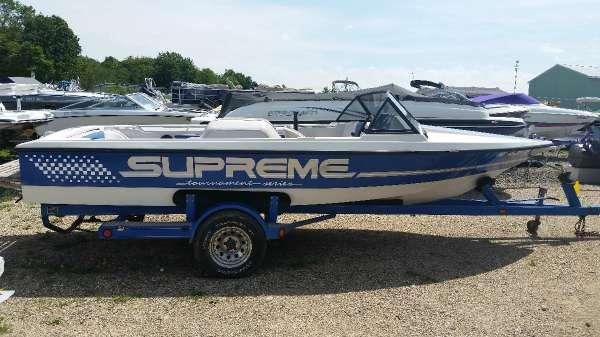 Used Ski Supreme Tournament Series Bowrider Boat For Sale