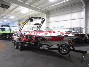 New Gekko 6.7 Revo Center Console Fishing Boat For Sale